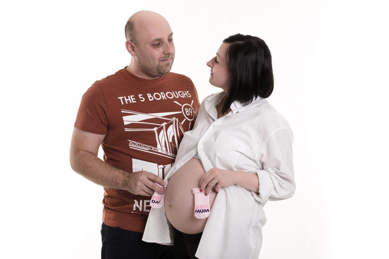sesja-ciążowa-studio-miłość- para